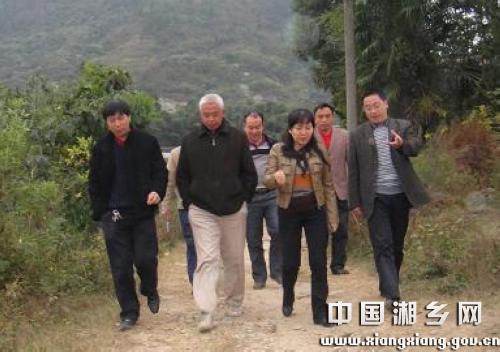 谢常青)11月15日上午,副市长潘如心率市水利等部门负责人赴潭市镇新乐