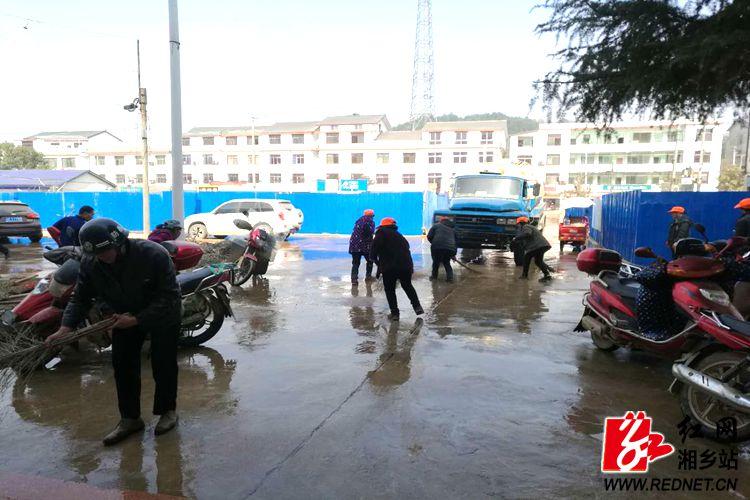 毛田镇:镇区大扫除 干净迎新春