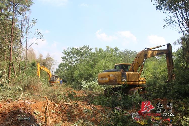 【重点项目建设】G320绕城线三龙湾地段完成920米清表
