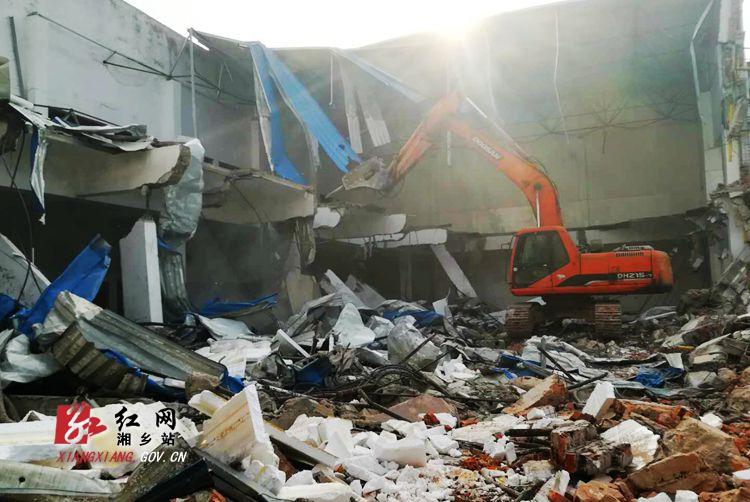 大将路建设提速 东山学校学生宿舍楼开拆