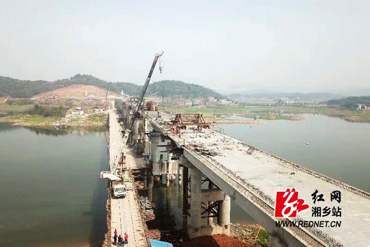 天堑变通途:水府大桥顺利合龙 预计5月1日通车