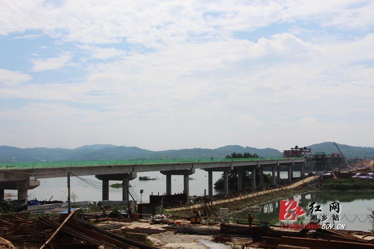 建设放心工程 确保水府大桥年底竣工通车【组图】