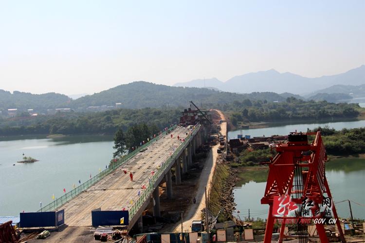 水府大桥建设稳步推进