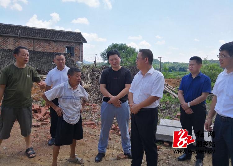 彭瑞林:坚决保障贫困群众住有所居
