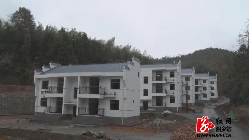 湘乡首个易地搬迁集中安置点启用 40户贫困户喜选新房
