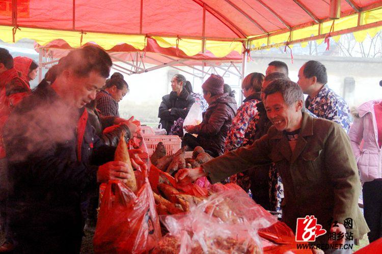 """""""黄金白玉 蔬中一绝"""" 梅龙冬笋节两天售笋5000多斤"""