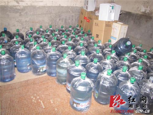 两家无证桶装水生产厂家被查处